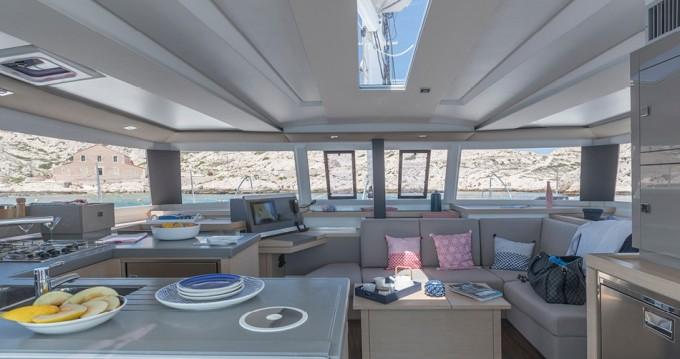 Rental yacht St. Petersburg - Fountaine Pajot Astrea 42 on SamBoat