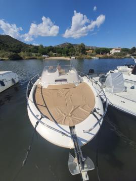 Boat rental Jeanneau Cap Camarat 8.5 WA in Saint-Florent on Samboat