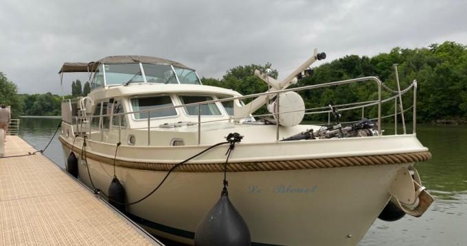 Boat rental Linssen Grand Sturdy 40.9  in Rouen on Samboat
