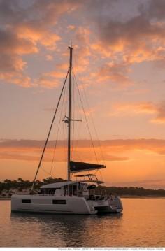 Rental Catamaran in Jolly Harbour - Lagoon Lagoon 40