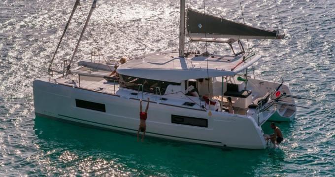 Boat rental Jolly Harbour cheap Lagoon 40