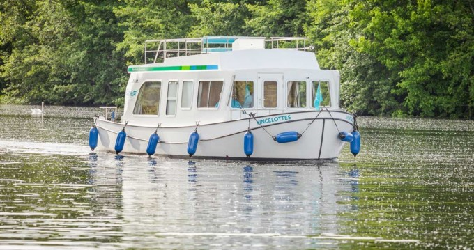Hire Canal boat with or without skipper Pénichette Evolution Loosdrecht