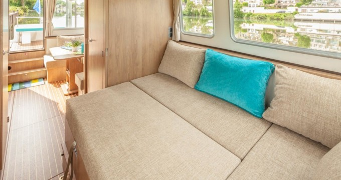 Hire Canal boat with or without skipper Pénichette Evolution Lattes