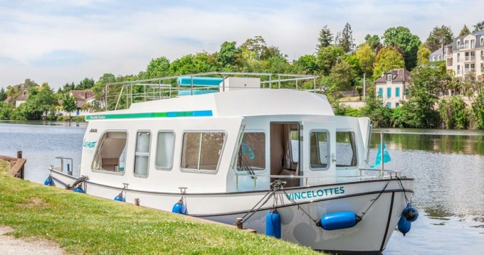 Rental Canal boat Pénichette Evolution with a permit