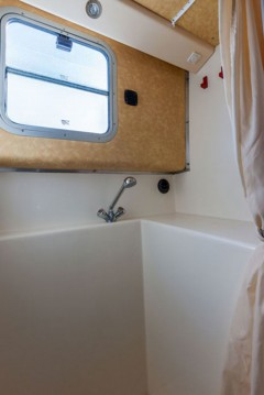 Canal boat for rent Loosdrecht at the best price