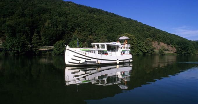 Boat rental Pénichette Flying Bridge 1022 FB in Argens-Minervois on Samboat
