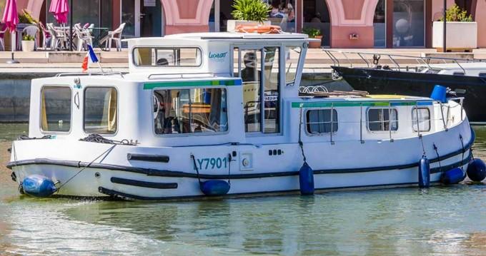 Boat rental Lattes cheap 935 W