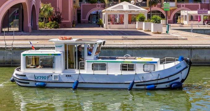 Boat rental Joigny cheap 935 W