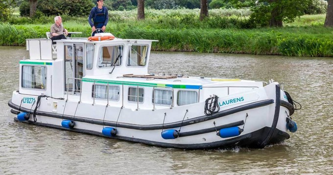 Hire Canal boat with or without skipper Pénichette Classique Argens-Minervois