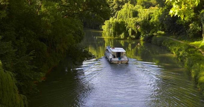 Rental Canal boat in Göhren-Lebbin - Pénichette Terrasse 1120 R