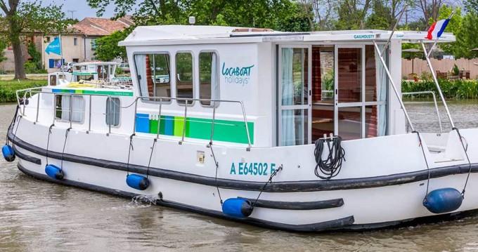 Boat rental Pénichette Terrasse 1120 R in Saint-Léger-sur-Dheune on Samboat