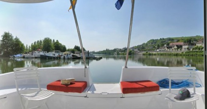Rental Canal boat in Dom-le-Mesnil - Pénichette Terrasse 1120 R