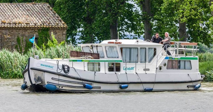 Rental yacht Corbigny - Pénichette Flying Bridge 1165 FB on SamBoat