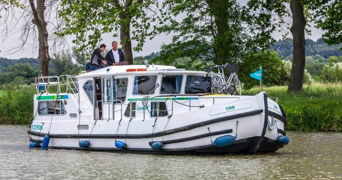 Rental yacht Joigny - Pénichette Flying Bridge 1180 FB on SamBoat