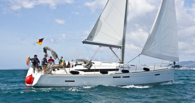 Jeanneau Sun Odyssey 439 between personal and professional Pula