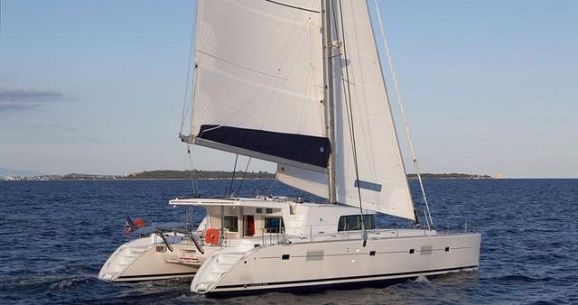 Rental Catamaran in Guadeloupe - Lagoon Lagoon 500