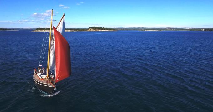 Boat rental Medulin cheap Pilot Cutter