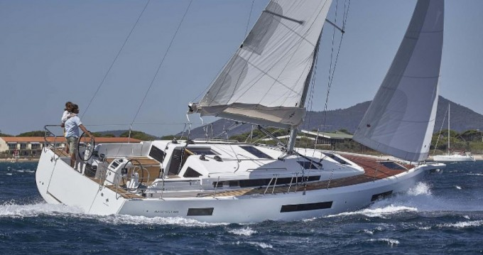 Jeanneau Sun Odyssey 440 between personal and professional Palma de Mallorca