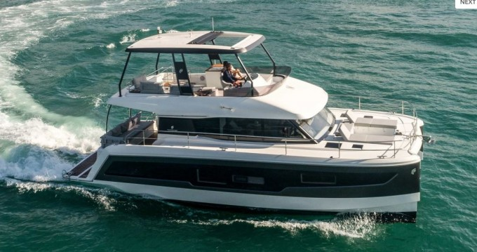 Rental Motorboat in West Harbor Key - Fountaine Pajot Fountaine Pajot M/Y 40