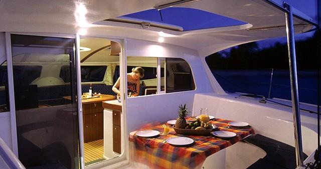 Boat rental Nautitech Nautitech 40 in Alimos on Samboat