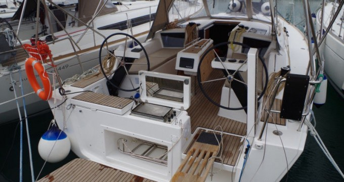 Hire Sailboat with or without skipper Dufour Lefkas Egremni