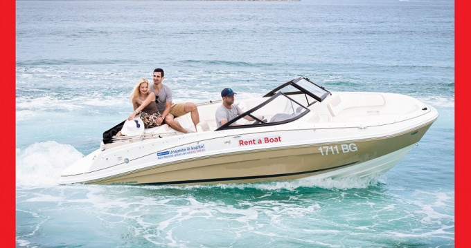 Boat rental Bayliner VR5 in Biograd na Moru on Samboat