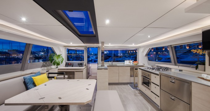Rental Catamaran in Furnari - Robertson and Caine Leopard 50 PC