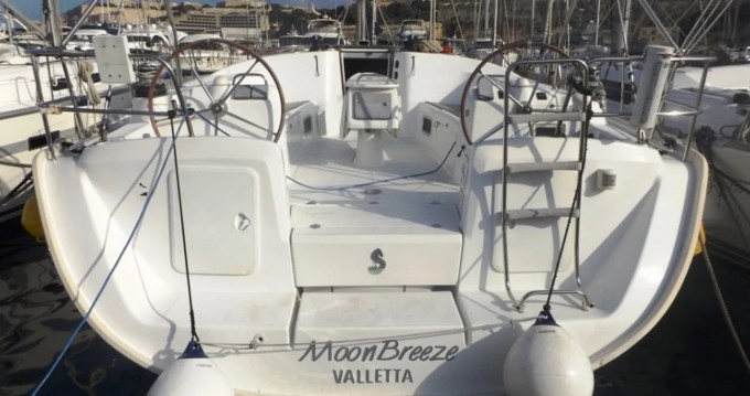Hire Sailboat with or without skipper Bénéteau Valletta