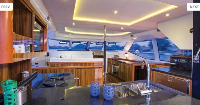 Boat rental Nassau cheap Aquila 44