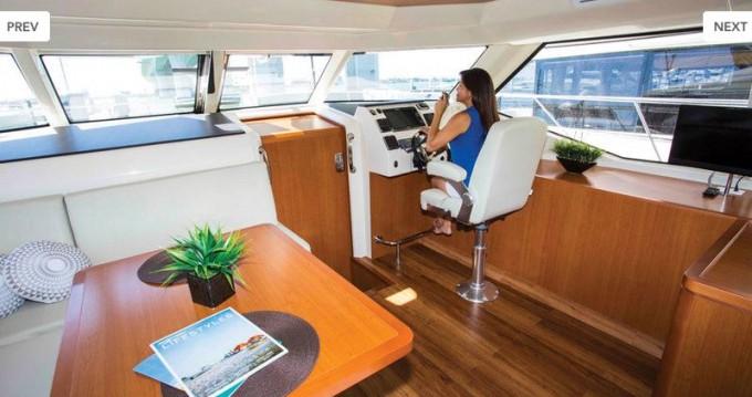 Rental Motorboat in Nassau - Aquila Aquila 44