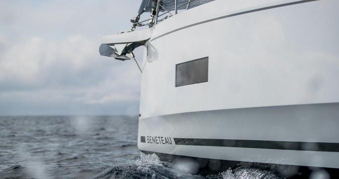 Rental Sailboat in Alimos - Bénéteau Oceanis 40.1