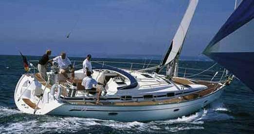 Rental Sailboat in Alimos - Bavaria Bavaria 42 Cruiser