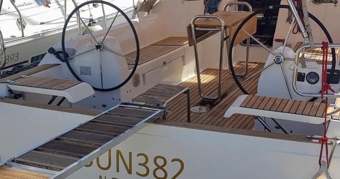 Boat rental Dufour Dufour 382 Grand Large in Alimos on Samboat