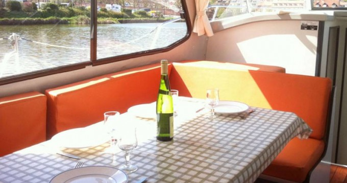 Hire Motorboat with or without skipper Riviera Sireuil