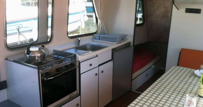 Hire Motorboat with or without skipper Riviera Sucé-sur-Erdre