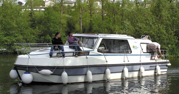 Rental Motorboat Riviera with a permit