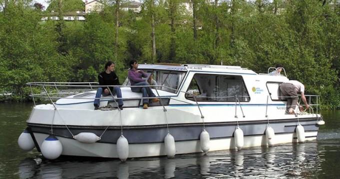Motorboat for rent Sablé-sur-Sarthe at the best price
