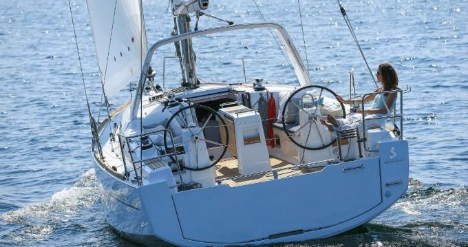 Bénéteau Oceanis 35 between personal and professional Split