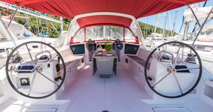 Rental Sailboat in Komolac - Bénéteau Oceanis 45