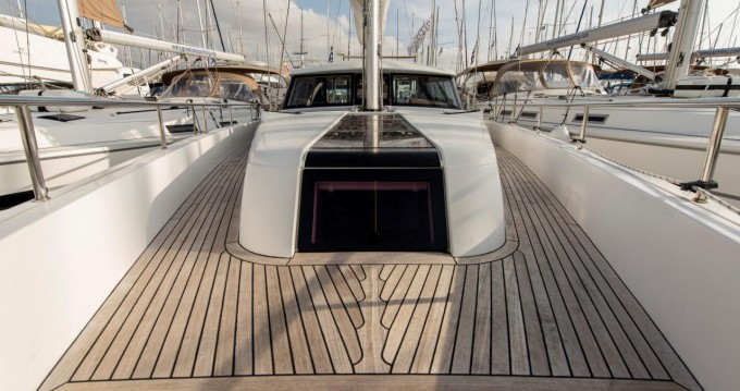 Moodymarine-Projects Moody 45 DS between personal and professional Alimos