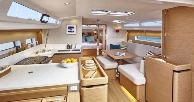 Rental yacht Alimos - Jeanneau Sun Odyssey 440 on SamBoat