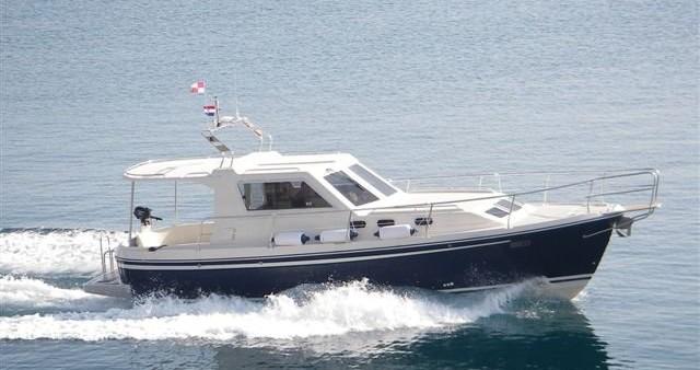 Rental Motorboat in Sukošan - Sas Vektor Adria 1002 Vektor