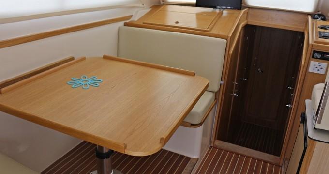 Boat rental Sas Vektor Adria 1002 Vektor in Sukošan on Samboat