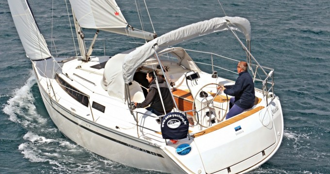 Boat rental Bavaria Cruiser 33 in Sukošan on Samboat