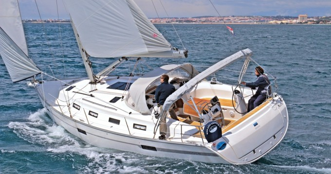 Rental Sailboat in Sukošan - Bavaria Cruiser 40