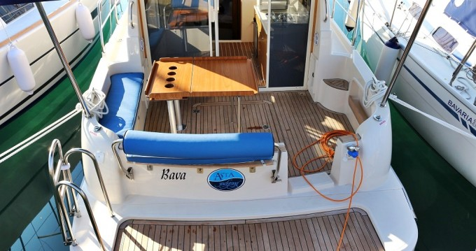 Rental Motorboat in Sukošan - Sas Vektor Vektor 950