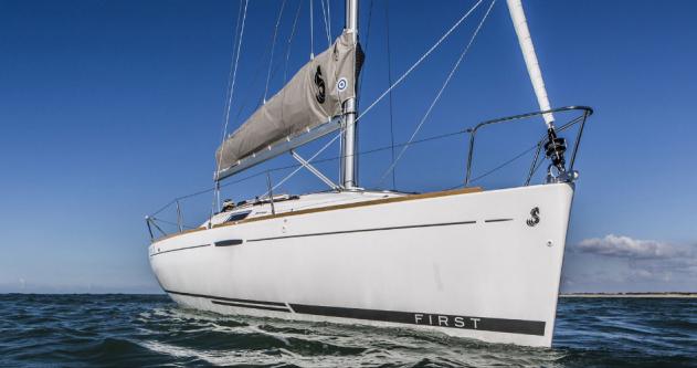 Boat rental Port du Crouesty cheap First 25 S