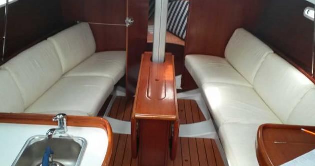 Hire Sailboat with or without skipper Bénéteau Port du Crouesty