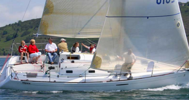 Bénéteau First 31.7 between personal and professional Port du Crouesty