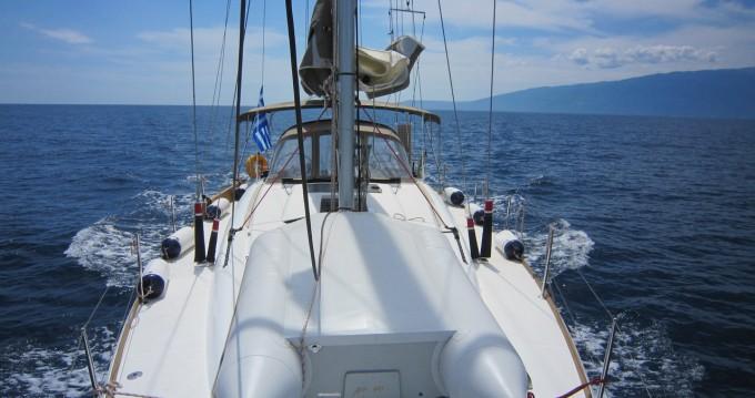 Boat rental Jeanneau Sun Odyssey 449 in Lávrio on Samboat